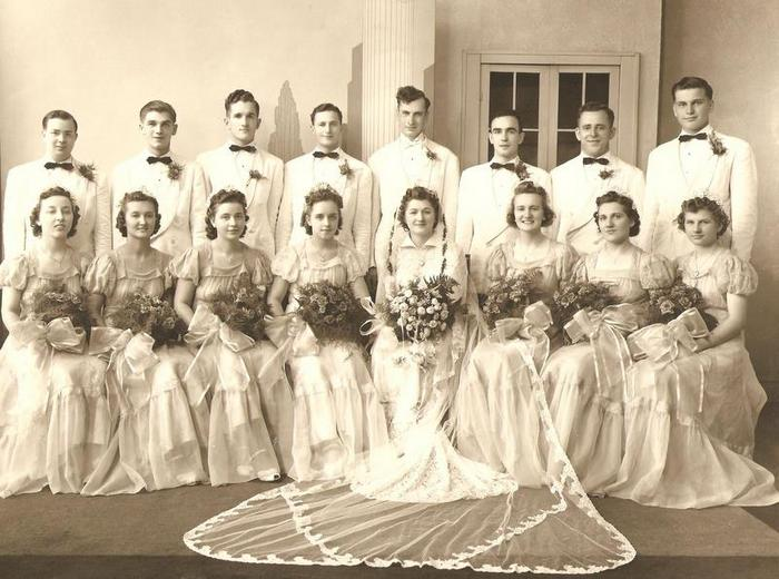 1940 wedding photo 1950 bride dress