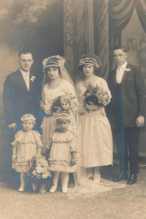 1920's flower girl